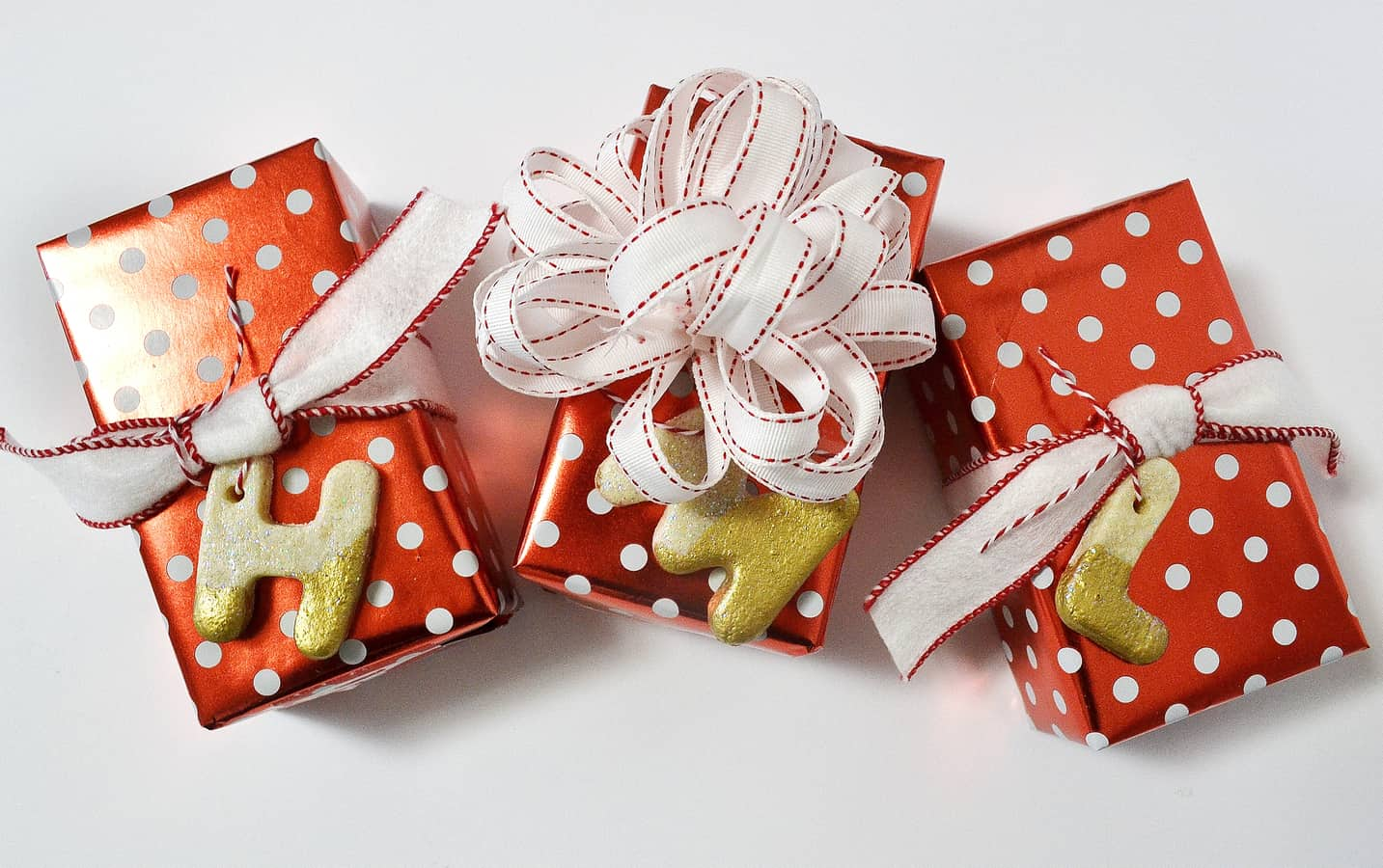 how to make initial ornaments 2