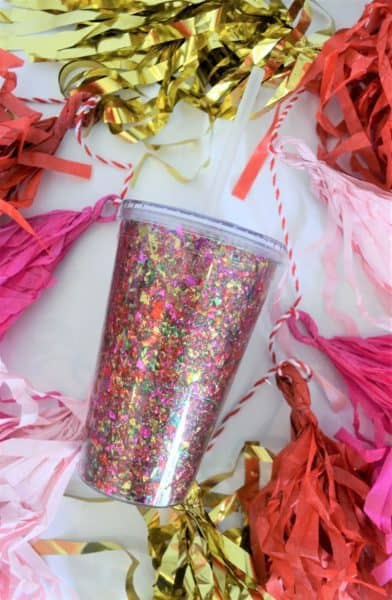 easy confetti craft {decorate a clear tumbler}