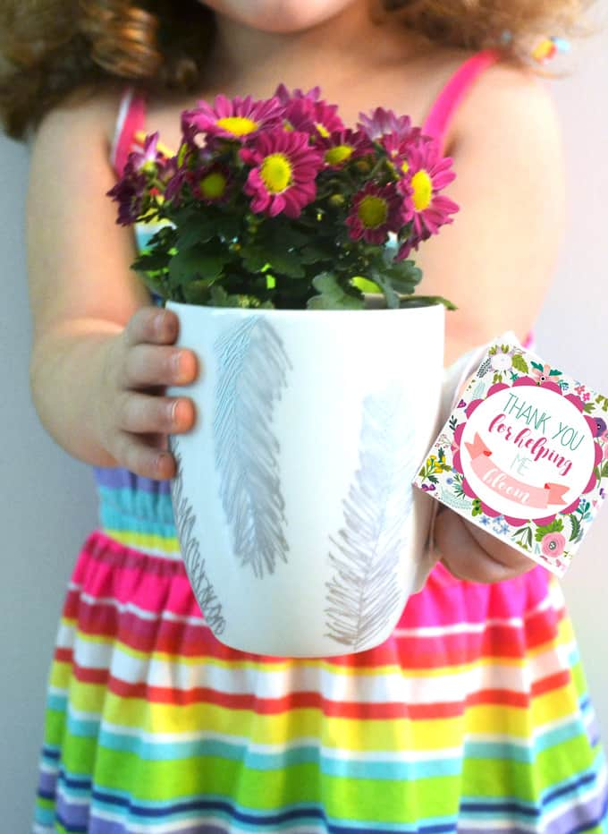 DIY sharpie mugs + free printable tags